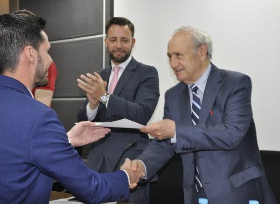 Julio Caballero gana el VI premio de investigación Fundación Dr. Pedro Guillén